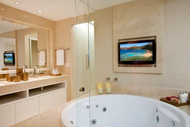 Banheiros com Banheiras! 30 Modelos maravilhosos!  DecorSalteado -> Decoracao De Banheiros Com Duas Cubas