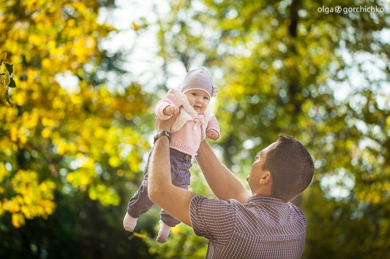 Яркая осень малышки Софьи. Семейная осенняя фотосессия. Детский фотограф Ольга Горчичко