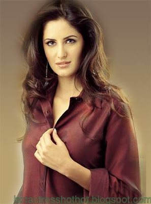 katrina kaif hot pics removing buttons