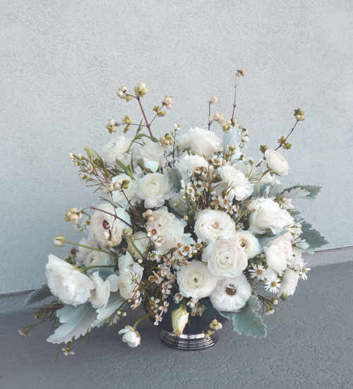 Warm up to winter white winter white wonderland holdiay if youre into more organic decorations then a winter white floral arrangement is the perfect option for you depending on the amount of money that you mightylinksfo