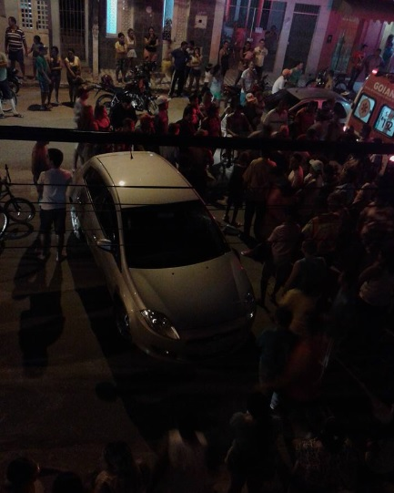 http://www.blogdofelipeandrade.com.br/2015/08/imagem-em-destaque-acidente-na-rua-da.html