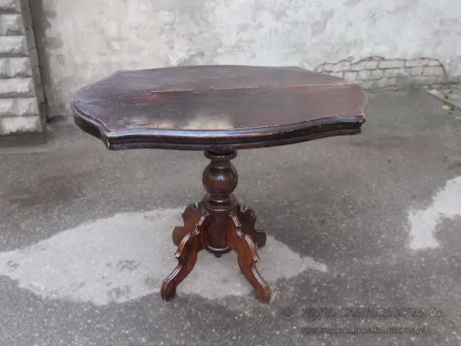 Tonēts masīvkoka galds, bērzs.