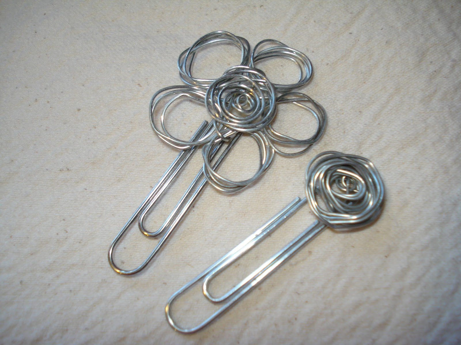 Utilitarian Mom: Projects: Decorative Paper Clips