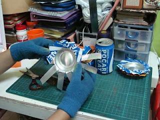 Kerajinan Tangan Asbak dari Kaleng Minuman Bekas