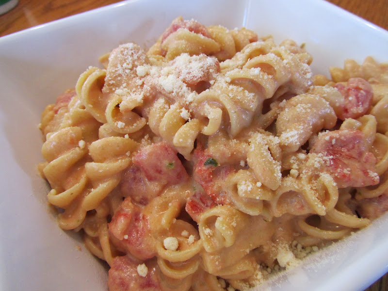 Hospitality at Heart: Creamy Tomato & Pesto Chicken Pasta