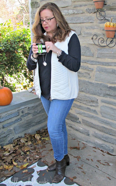 Casual Outfit: White Vest, Navy T Shirt, Skinny Jeans and Booties