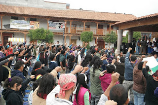 http://www.jornada.unam.mx/2013/11/26/opinion/020a2pol