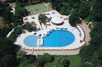 istanbul-hilton-otel-taksim-harbiye-açık-havuz