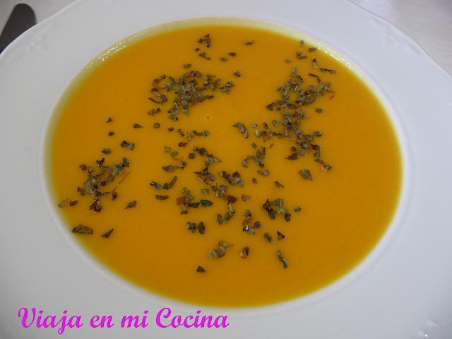 Sopa de Calabaza coco y Lima