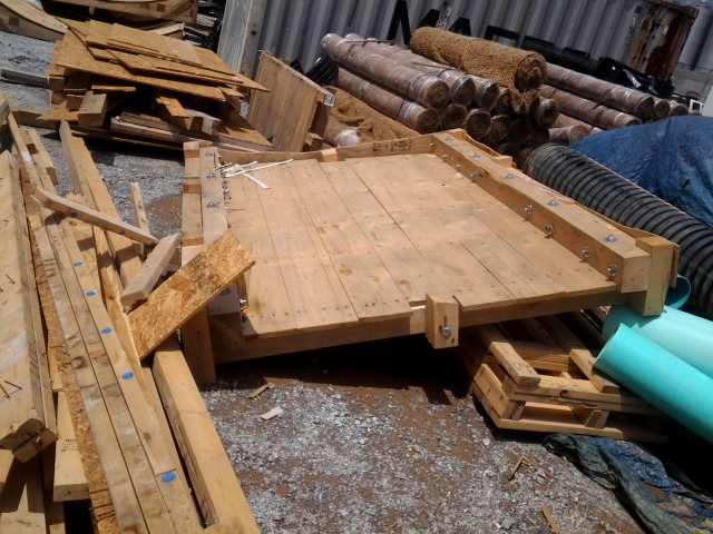 pallets of sturdy German construction for transporting mechanical and brewing equipment