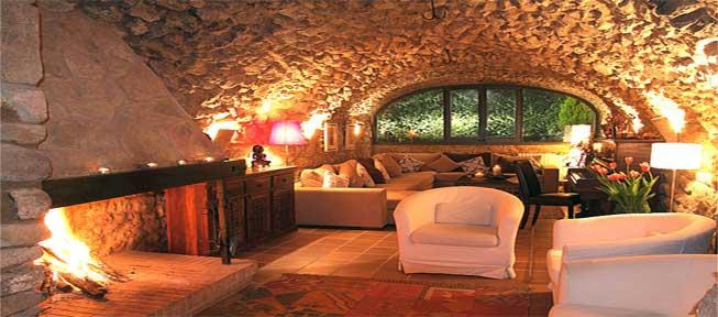 La calidez del fuego madera chocolate - Casa rural de madera ...