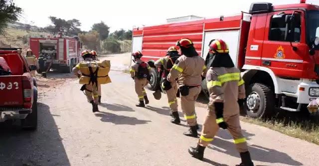 Κέρκυρα: Οι πυροσβέστες έσβηναν την φωτιά και οι Ρομά τους έκλεβαν τα αυτοκίνητα