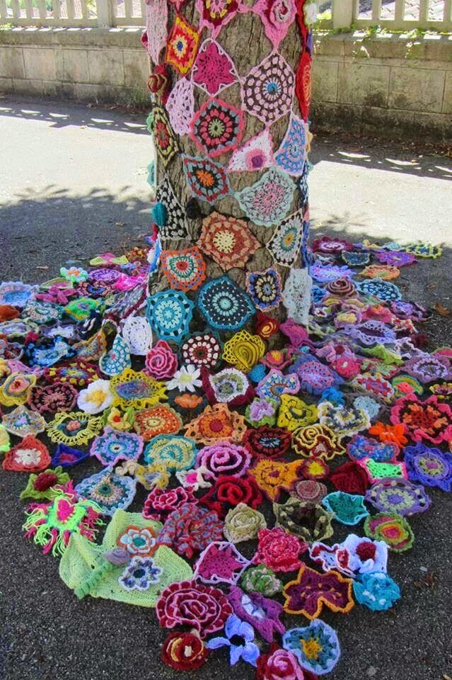 Crochet Patterns For Yarn Bombing : Selvage Blog: Yarn Bombed Mailbox!