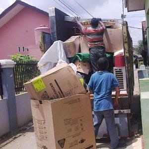 Sewa truk di Medan.