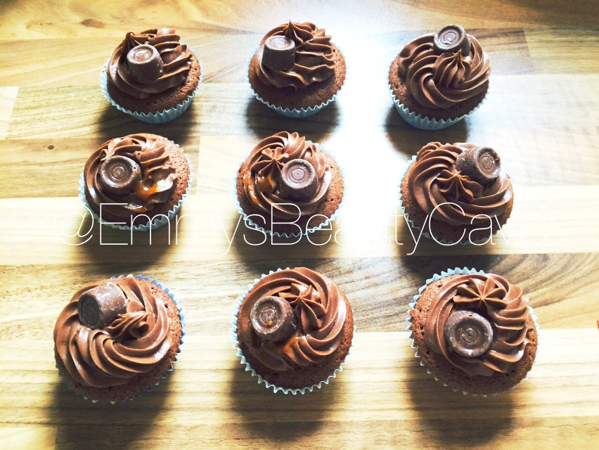 Cake Decoration With Chocolate Syrup : Rolo Cupcakes Recipe EmmyWritesAbout