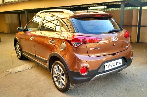 hyundai i20 active crossover vehicle march2015 3rd week launch autocar india news blog. Black Bedroom Furniture Sets. Home Design Ideas