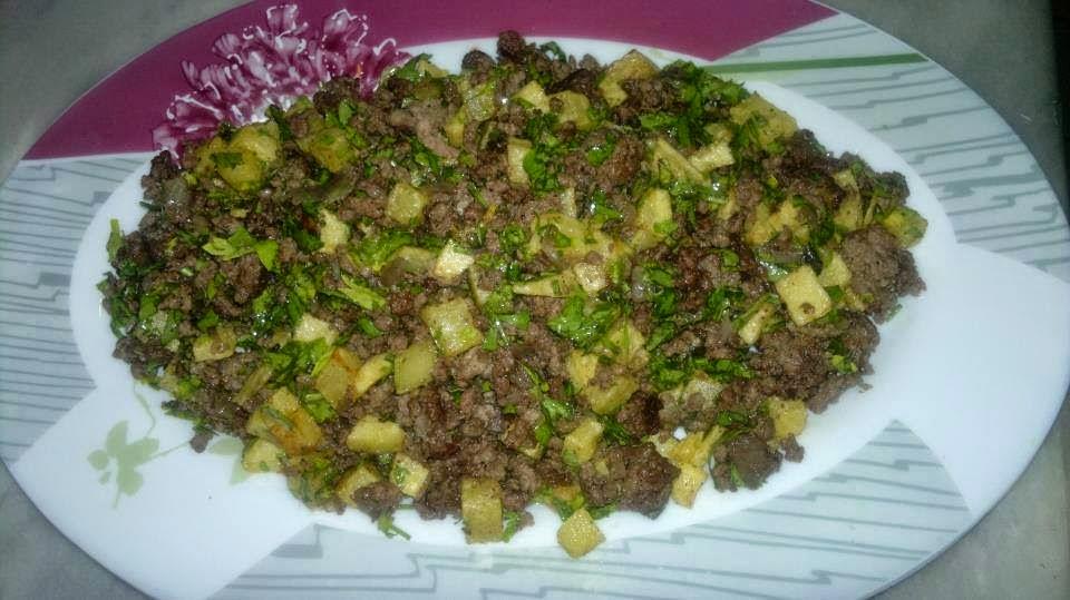 طريقة عمل البطاطس باللحم المفروم , طريقة جديدة لعمل البطاطس Potatoes with minced meat