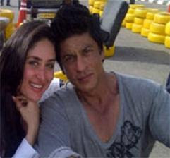 Shahrukh heap praises on Kareena's hard work