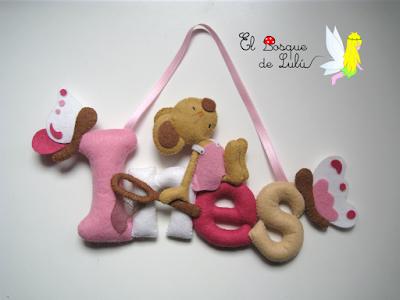nombre-fieltro-Inés-ratoncita-decoración-infantil-personalizado-regalo-nacimiento-detalle-niñas-mariposas-elbosquedelulu-hechoamanoparati