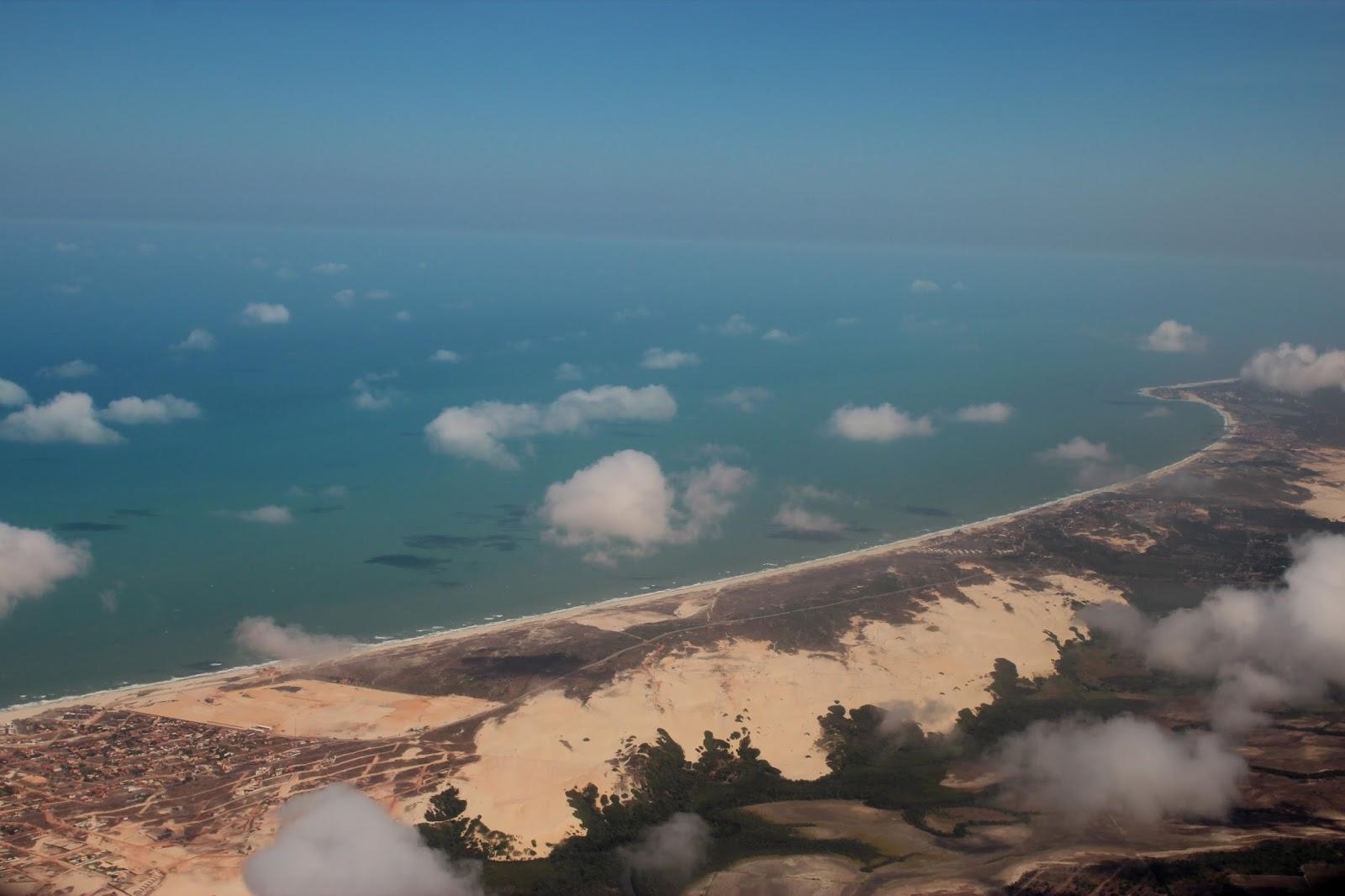 Nuvens da evaporação do mar levadas pelo vento a caminho da Amazônia - foto:Elma Carneiro