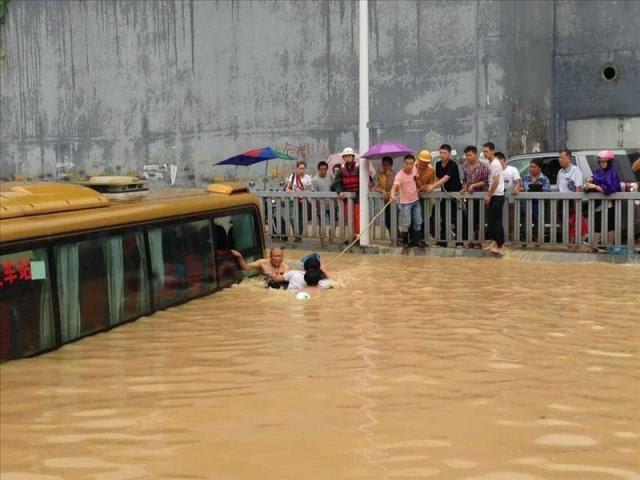 MAS DE 400 MIL AFECTADOS POR TIFON MATMO EN CHINA, 25 DE JULIO 2014