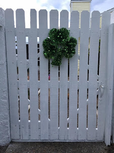 Click on the shamrock to open the gate and ...