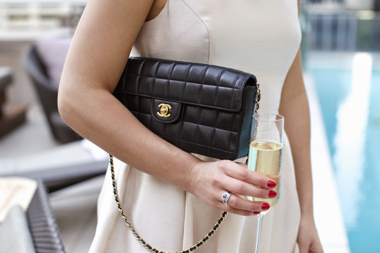 chanel chocolate bar bag in black