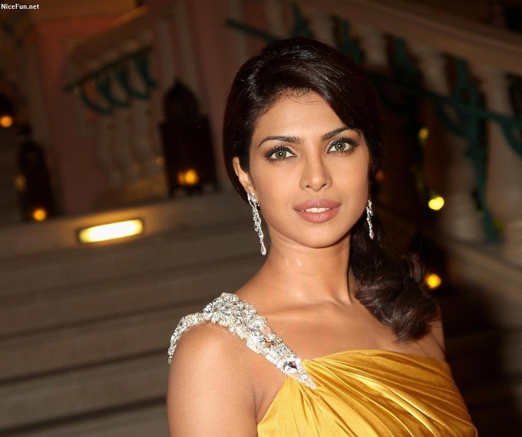 Priyanka Chopra The Wallpapers World