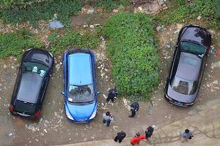 Un coche abandonado causa sensación en China