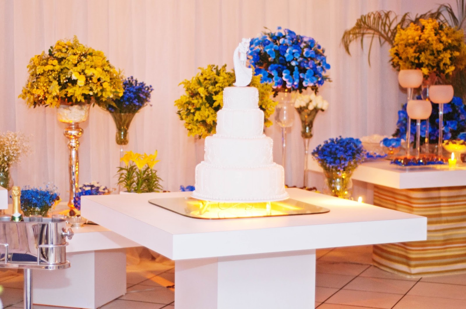 decoracao casamento rustico azul e amarelo:Decor+casamento+azul+e+amarelo+02.jpg