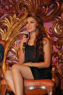 Kamapisachi Gauhar Khan Photos showing her sexy legs