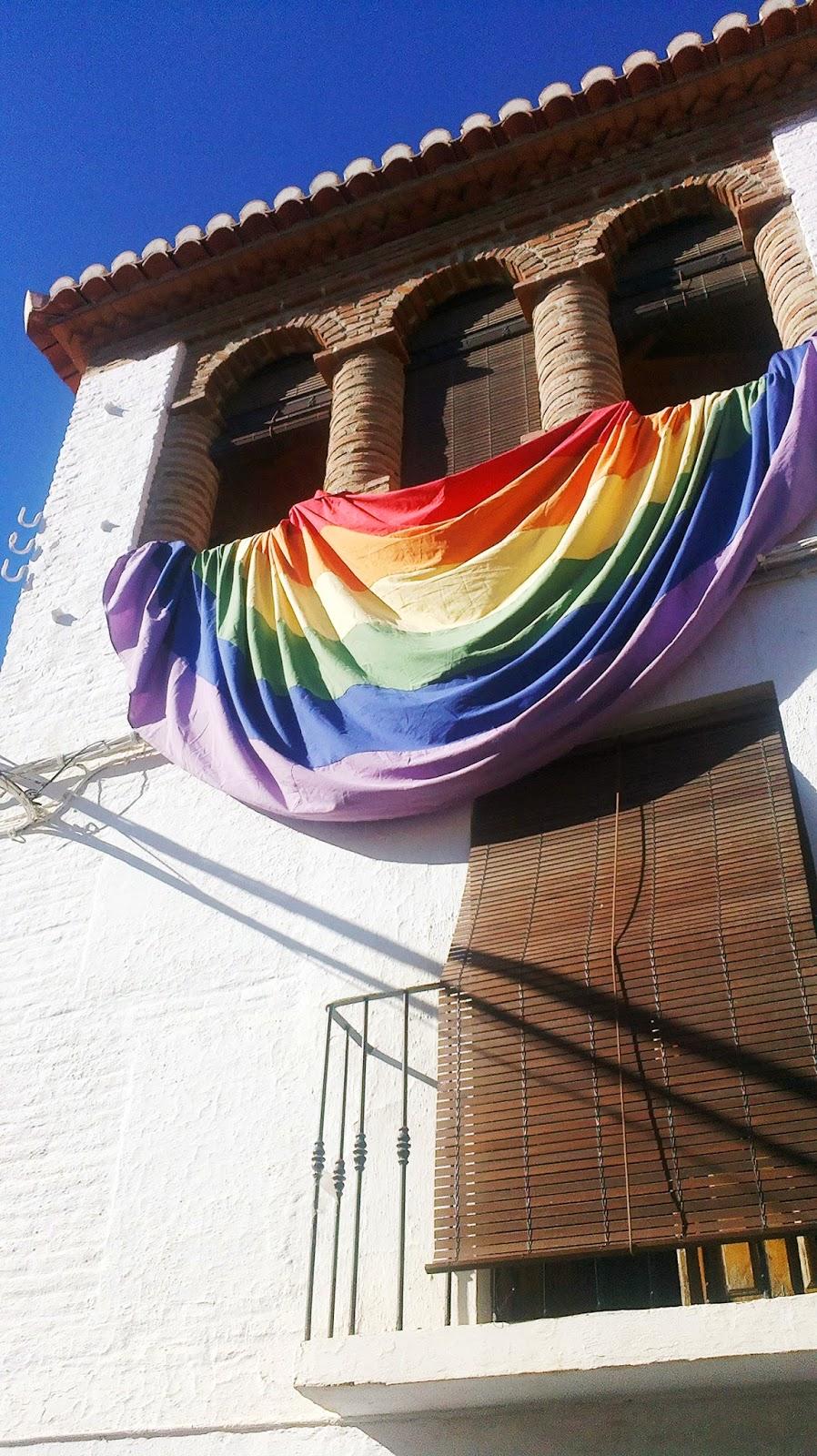 Arco iris granada asociaci n de lesbianas gays for Lesbianas en la oficina
