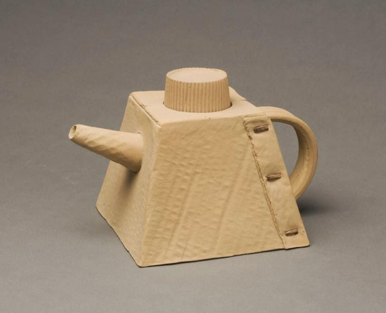 16-Cardboard-Teapot-Victor-Spinski-Clay-Sculptures-replicating-objects-from-Daily-Life-www-designstack-co