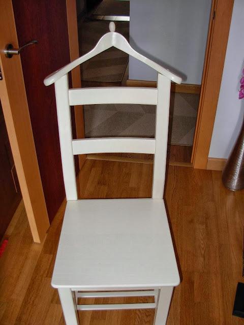Una silla ivar convertida en gal n de noche mi llave allen - Sillas dormitorio ikea ...
