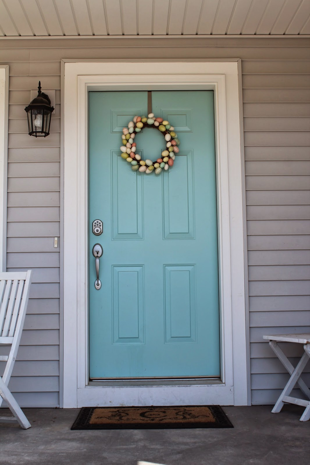 She Builds Her Home: How to Choose a Front Door Color