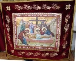 Epitaf brodat pe catifea cu struguri si heruvimi pentru Vinerea Mare