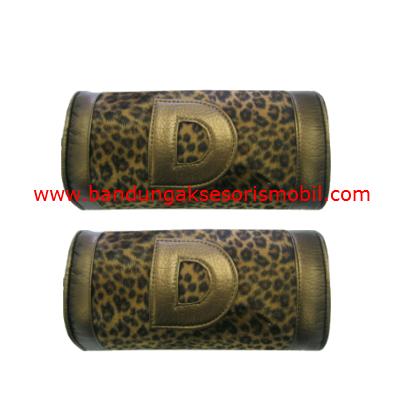 Bantal Kepala Bulu Macan Gold (2 pcs)
