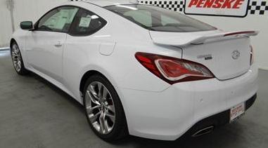 2015 Hyundai Genesis Coupe 3.8 Ultimate Review