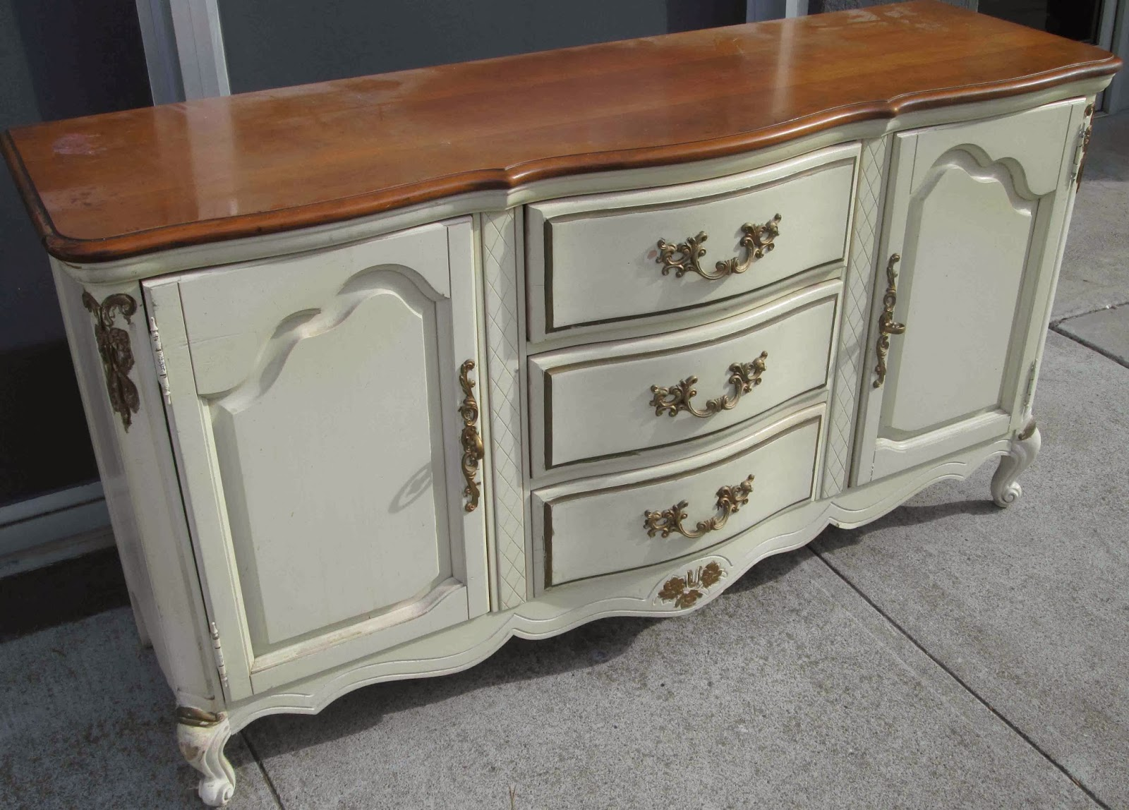uhuru furniture collectibles sold french provincial. Black Bedroom Furniture Sets. Home Design Ideas