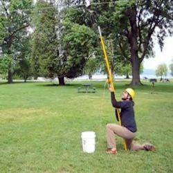 cara panjat pohon,kampus unik,kuliah unik