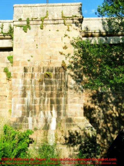 Puente Romano de Ourense - Edificios de Papel