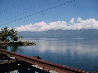 Objek wisata Danau Singkarak Sumatera Barat 2