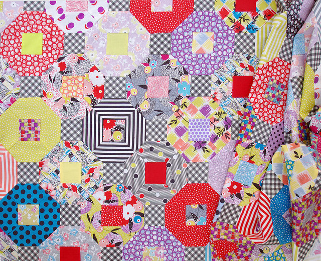 Gardenvale Kansas Dugout Quilt in Progress | Red Pepper Quilts 2015