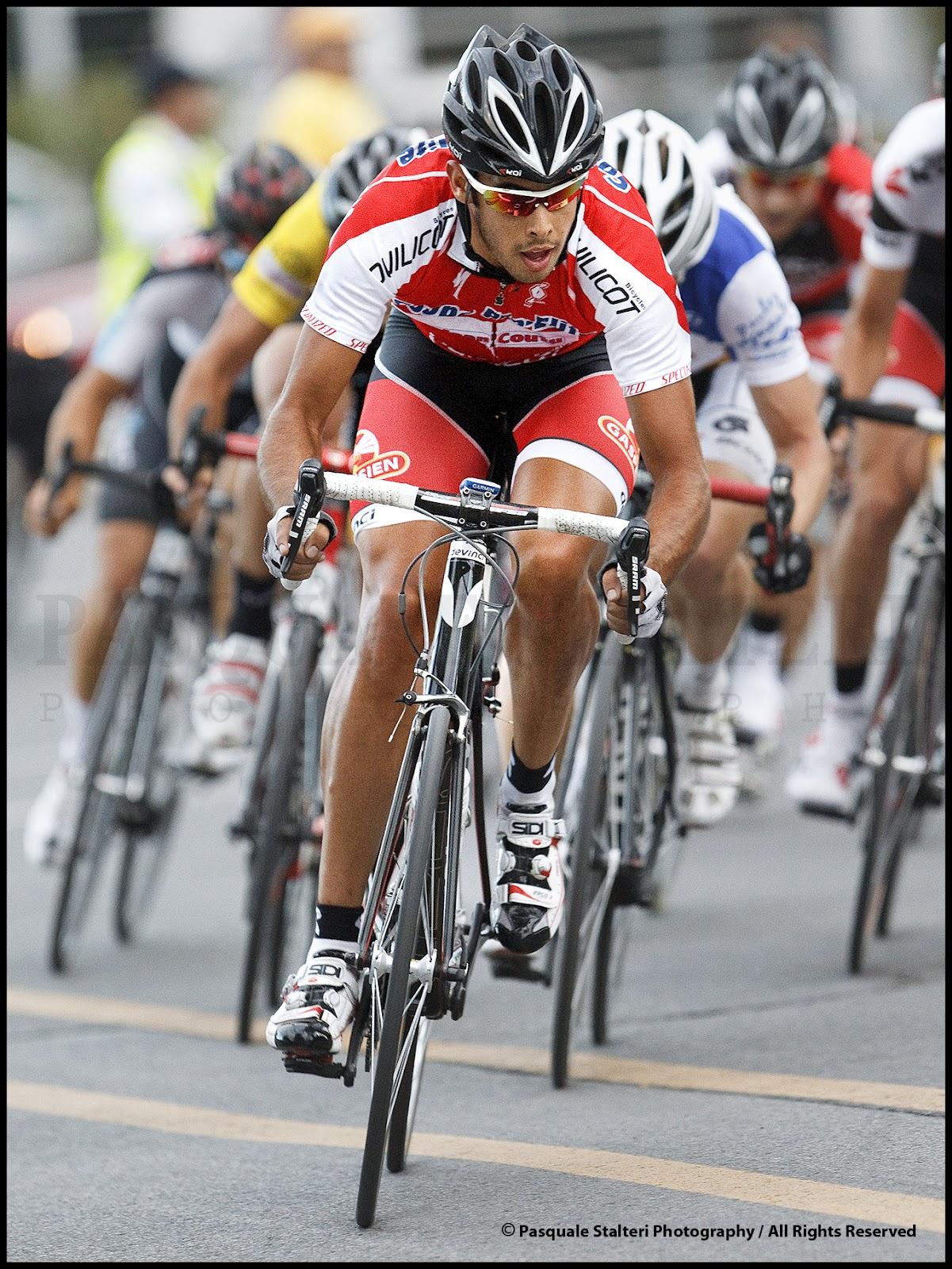 http://2.bp.blogspot.com/-A6wlQaJGNHk/UCHWQ30fNFI/AAAAAAAAVz0/czeeOYPmnn8/s1600/Miroir+du+Cyclisme_Jean+Samuel+Deshaies_Pasquale+Stalteri+Photography_PAS4126.jpg