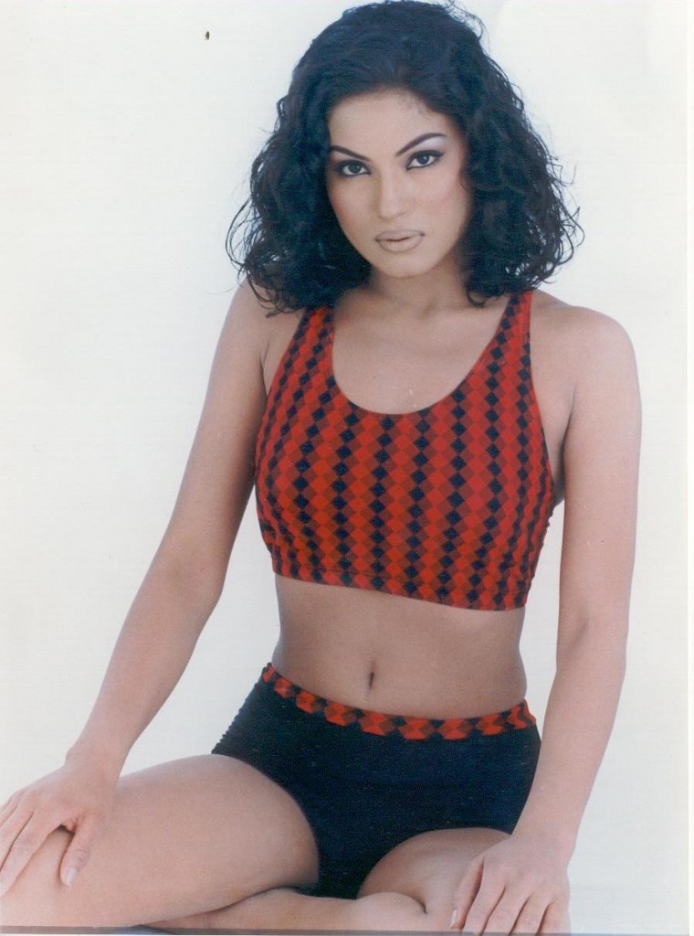 Vena Malik Photos http://www.hotimages.in/2012/01/pakistani-hot-veena-malik.html