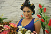 Hari Priya Sizzling Photos from Galata Movie-thumbnail-3