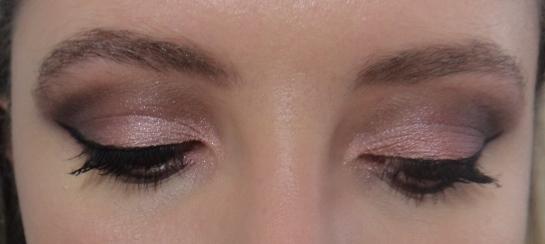 Maquiagem - Neutra com Sombra Rosa
