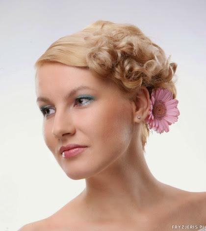 fryzura ślubna 61