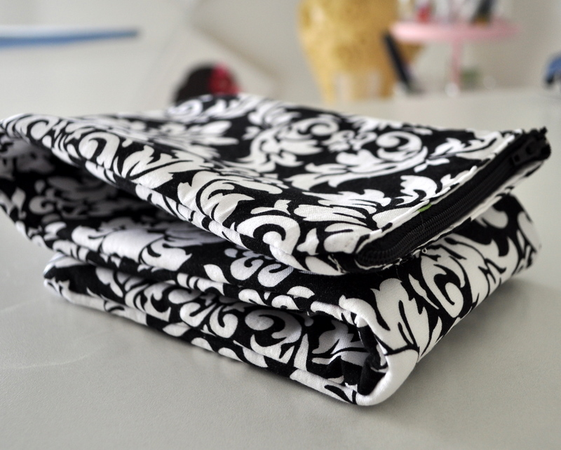How To Sew A Knitting Needle Bag Cleverly Inspired