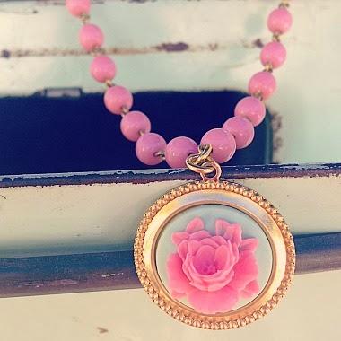 http://cremedelagems.businesscatalyst.com/necklaces/dainty-vintage